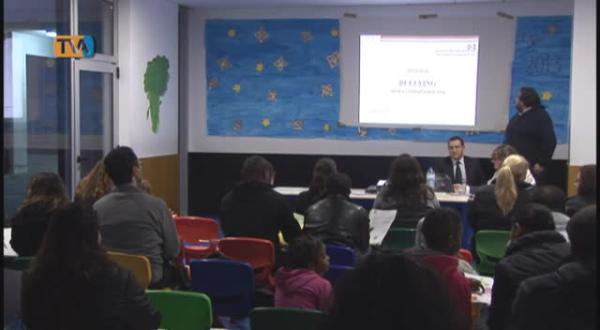 Associação de Pais da EB1/JI Aprígio Gomes promove encontro sobre Bullying