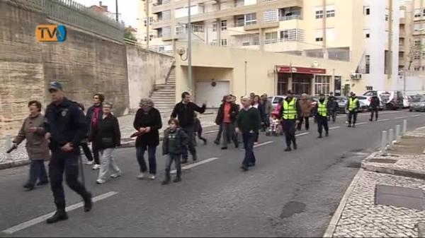 JF Falagueira Venda Nova junta Avós e Netos em Caminhada