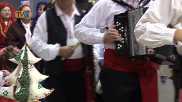 Presépio com quase Mil peças e Artesanato para Festejar o 6º Aniversário Mercado Brandoa