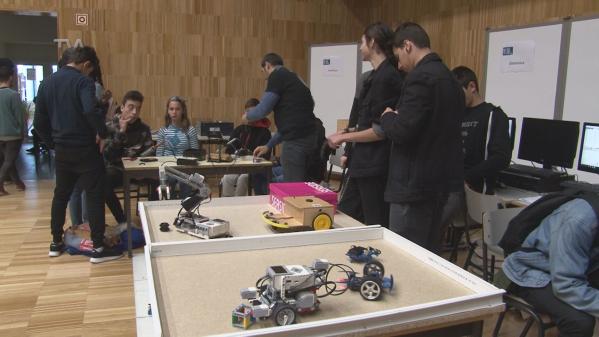 Escola Seomara da Costa Primo Promove Jornadas de Informática