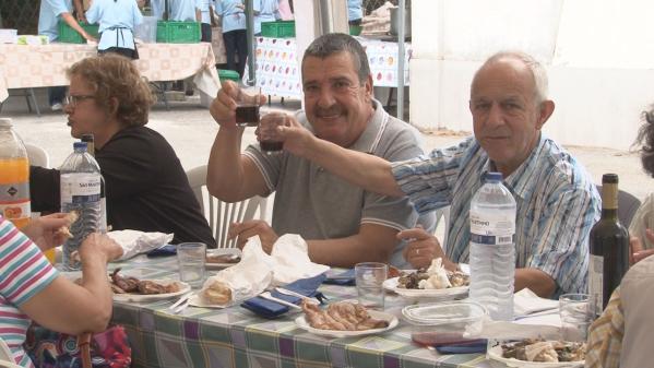 150 Séniores participam na Sardinhada de Verão da JF Mina de Água